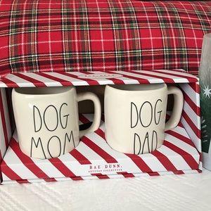 """RAE DUNN """"DOG MOM/DOG DAD"""" MUG SET"""